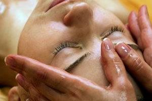 hoofd massage, ayurvedische hoofd massage vlissingen-momentjemij, massage vlissingen, ayurvedische massage, momentjemij, relax momentje, ontspanningsmomentje, massage zeeland,