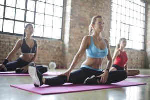 yogales-yoga@thebeachindoors-momentjemij-hatha